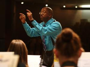 Quincy Hilliard conducting