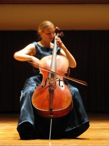 Cellist Molly Goforth